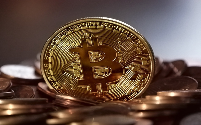 bitcoin and gold investing